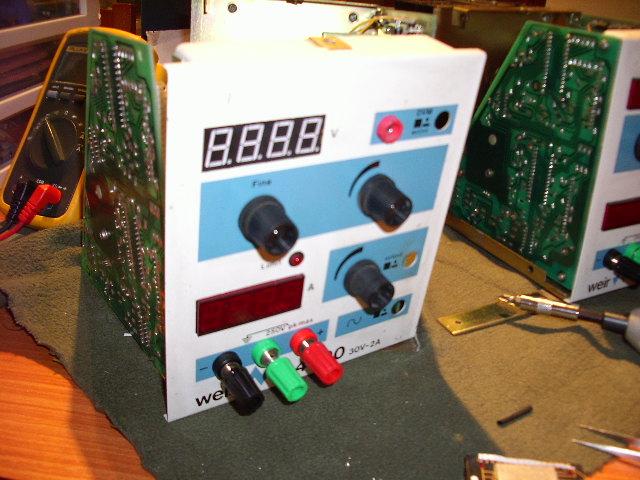 Nuevo display y conectores de salida.