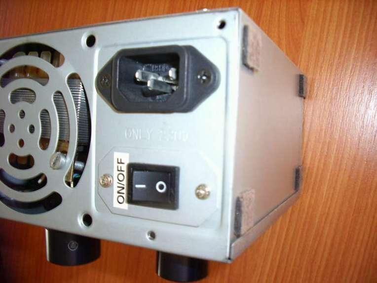 Detalle Conector Alimentación e Interruptor On/Off Fuente Alimentacion Casera v.2