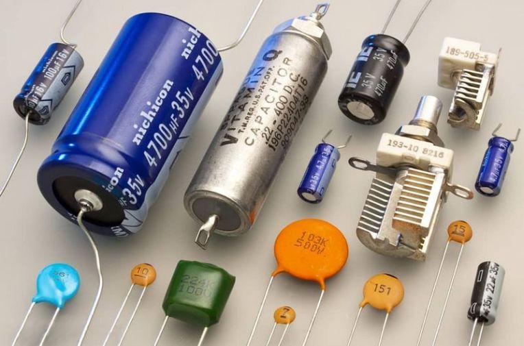 DistintosTiposCondensadores.jpg